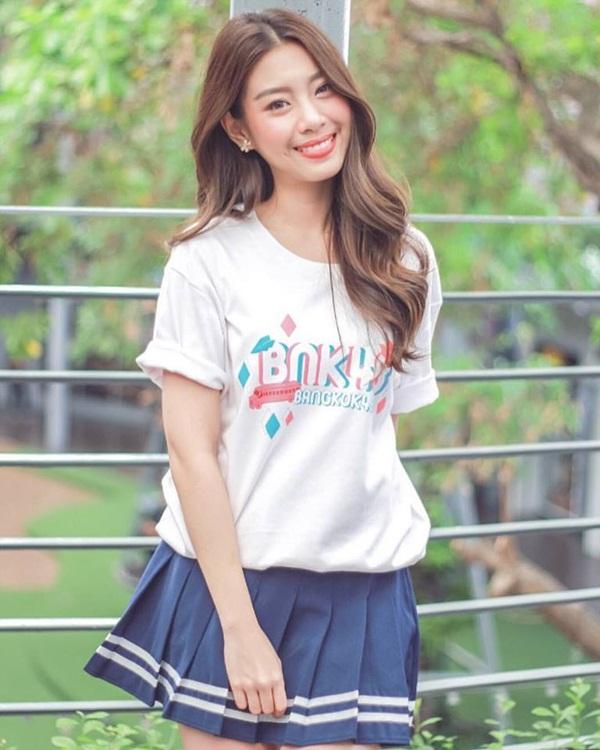 目鼻立ちの整ったアジア系美人、「ゲーウ」